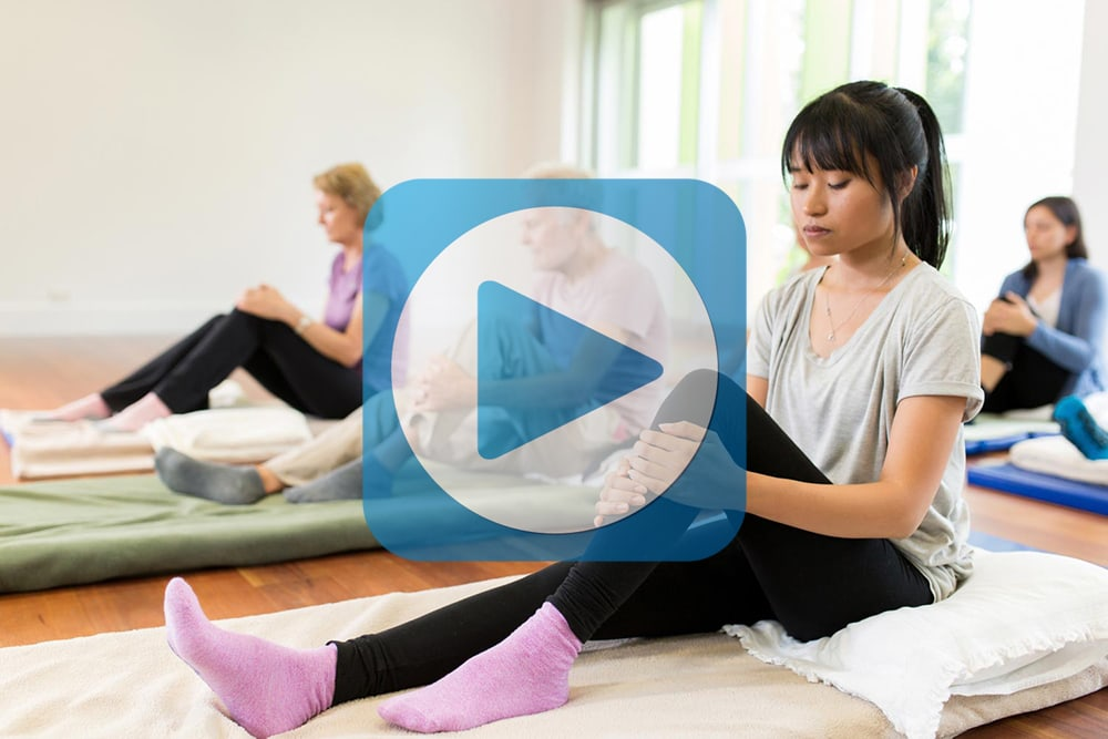 yoga class with video button icon